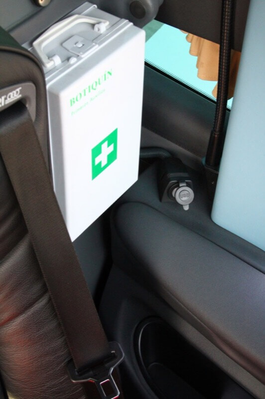 Conexión USB situada en el asiento de conductor