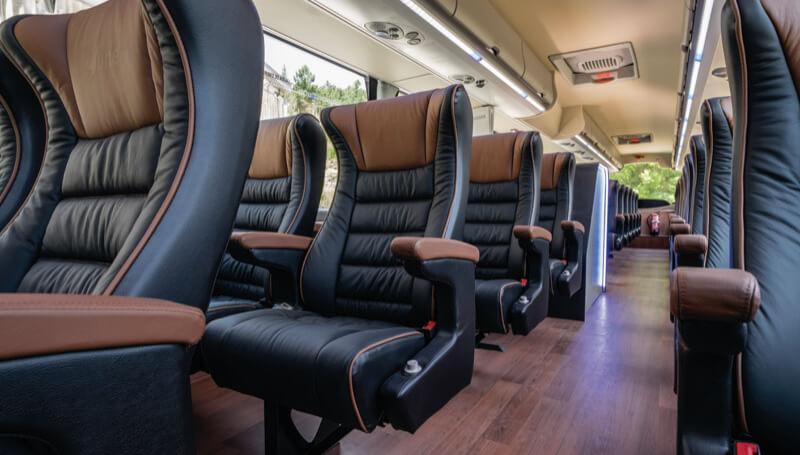 Butacas Orus en autobús Ayats